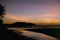 Restoration Island mit Morgenhimmel