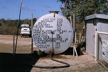 Tank mit Kilometerangaben